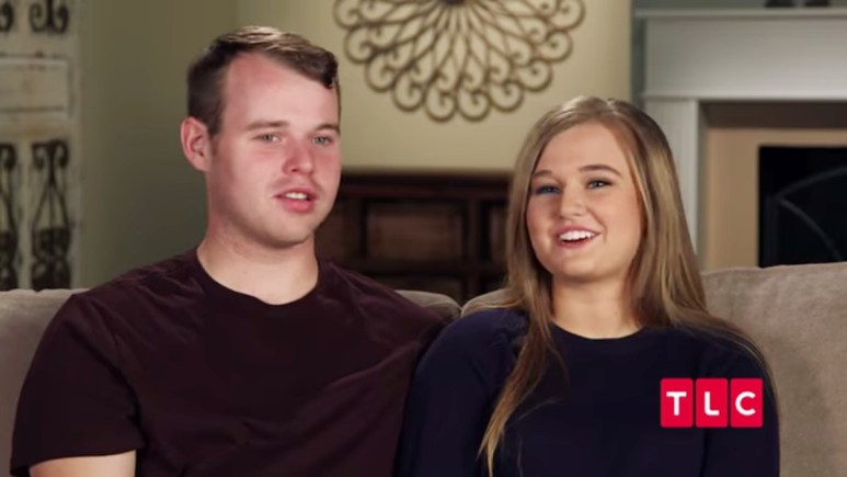 Joseph and Kendra Duggar in a Counting On confessional.