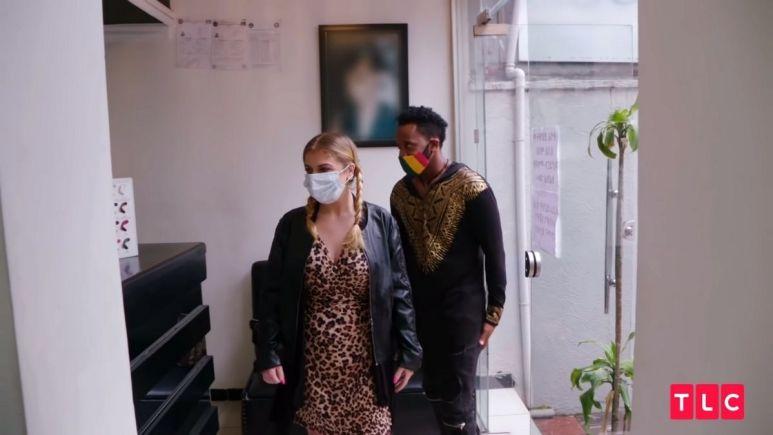 90 Day Fiance:The Other Way star Biniyam Shibre and Ariela enter the nail salon