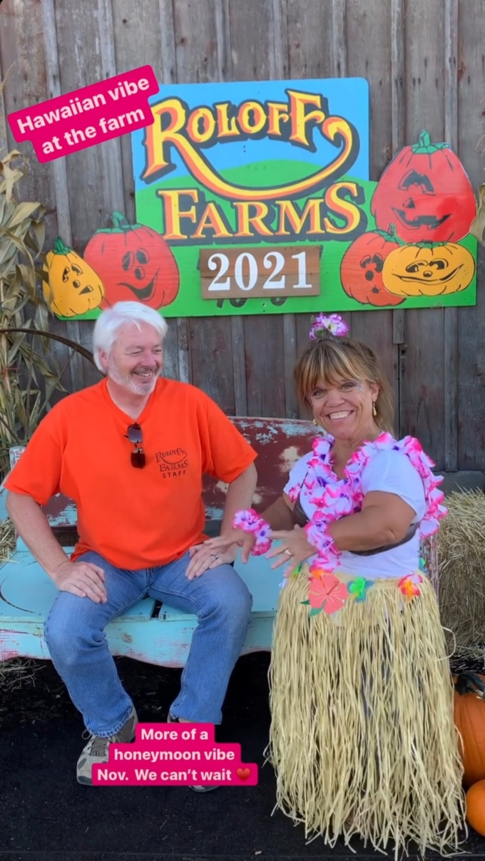 amy roloff and chris marek posed at roloff farms on October 2, 2021