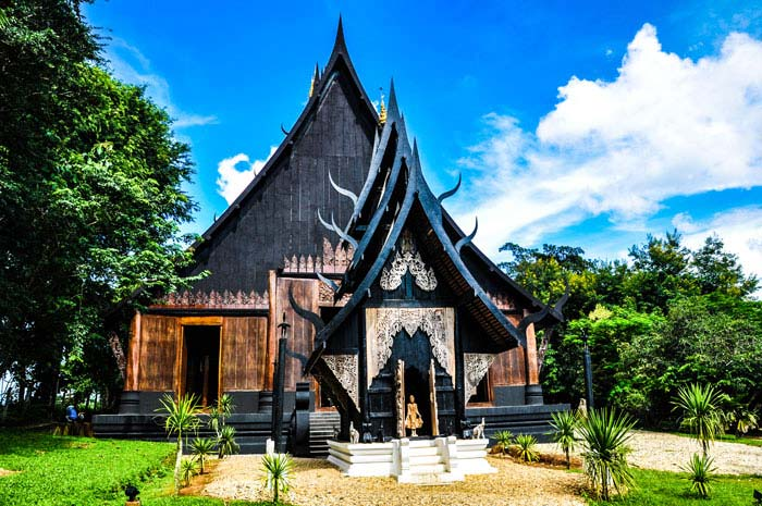 que-ver-chiang-rai-ban-daam-museum