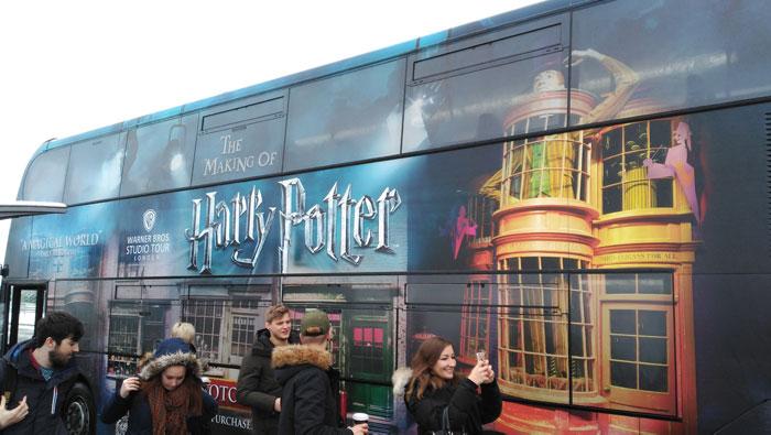 Cómo-visitar-estudios-Harry-Potter-autobus