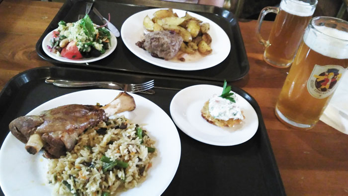 Que-ver-en-Riga-comida-riga