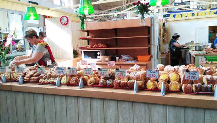 Que-ver-en-Riga-reposteria-mercado-riga