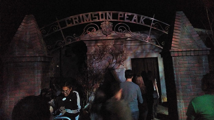 Halloween-horror-nights-universal-studios-peak