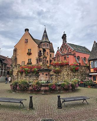 Alsacia_Eguisheim_plaza