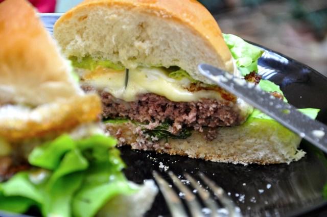 hamburguer-caseiro-gourmet-autentico-perfeito-monta-encanta17