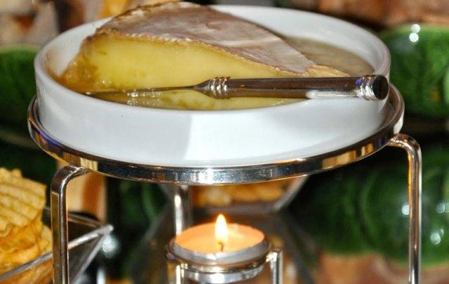 queijo-brie-com-mel-antepasto-monta-encanta11