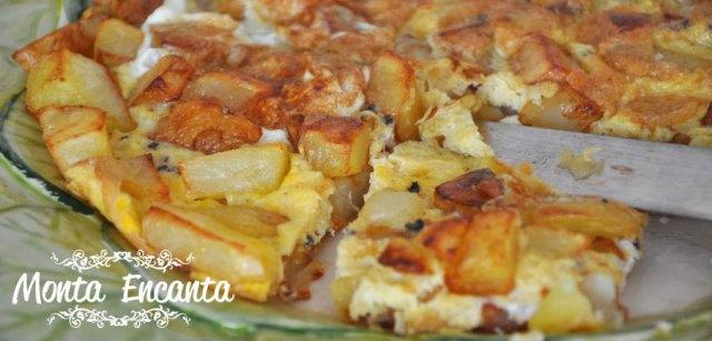 Omelete de batatas, é delicioso!