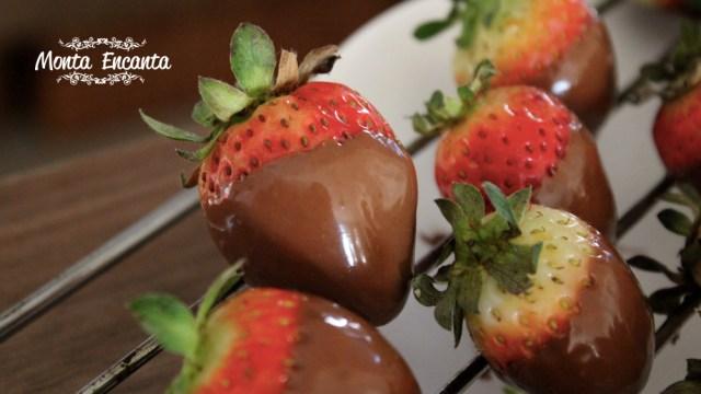 Morango com Casquinha de Chocolate
