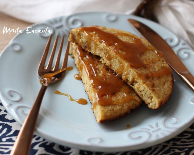 Pão Fit de frigideira, sem glúten, tem banana na massa, aveia e amido de milho.