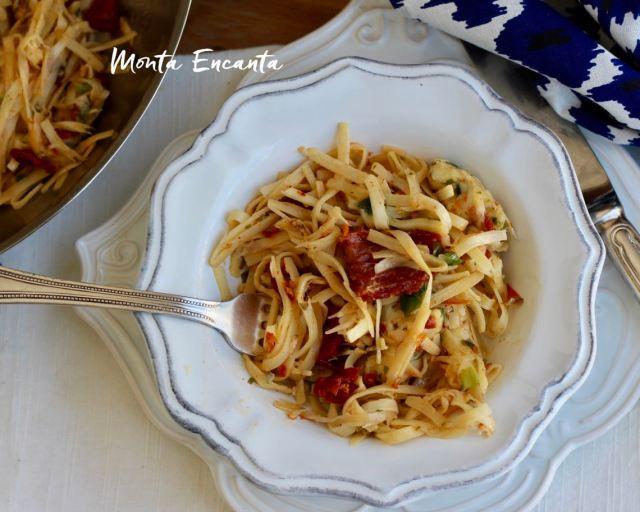 espaguete de pupunha
