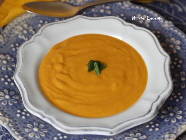 sopa de legumes com creme de leite