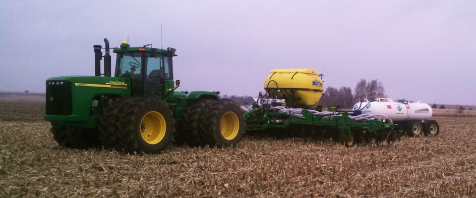 6_Ton_Montag_mounted_on_a_JD2510H