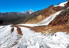 ghiacciaio dei forni, parco dello stelvio, microplastiche, inquinamento