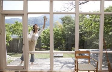 Limpia las manchas de pintura de tus ventanas con estos sencillos consejos