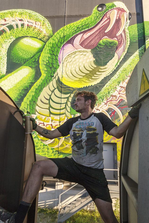 Nychos - Transparent Snake Linz 2016-09