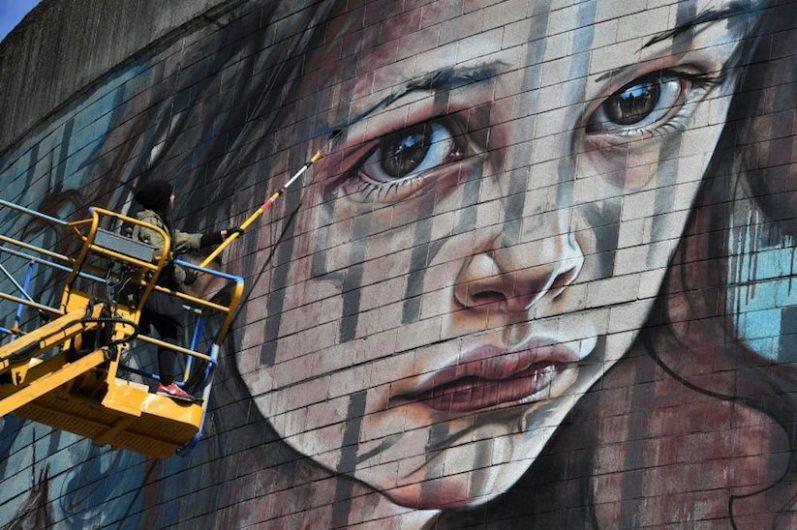 New_Mural_by_German_Street_Artists_Herakut_in_Aberdeen_Scotland_2017_02