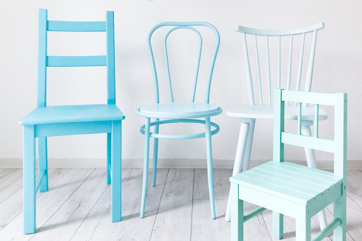DIY PROJECT BY NICESTTHINGS: OMBRÉ CHAIRS WITH MONTANA GOLD