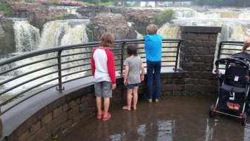 Awesome parenting on display at Soiux Falls
