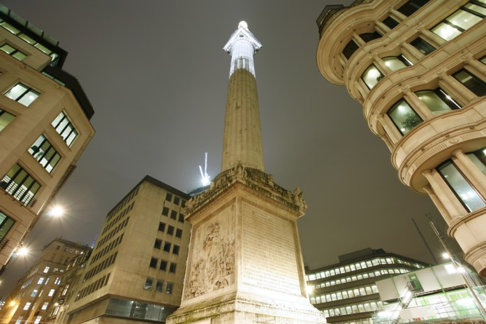 Monument to commemorate the Great Fire of London
