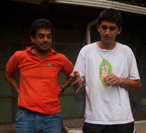 Sergio and Rafa with a Boa - 07.16.2010 - 11.11.33