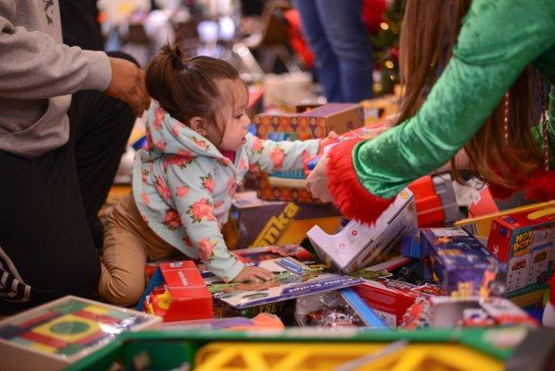 Free Christmas Dinner a huge success – Monterey Herald