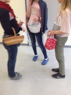 Montessori Grundschule Königs Wusterhausen_Markttreiben und Shopping im Englischunterricht_2