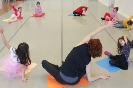 çocuklar için yaratıcı dans