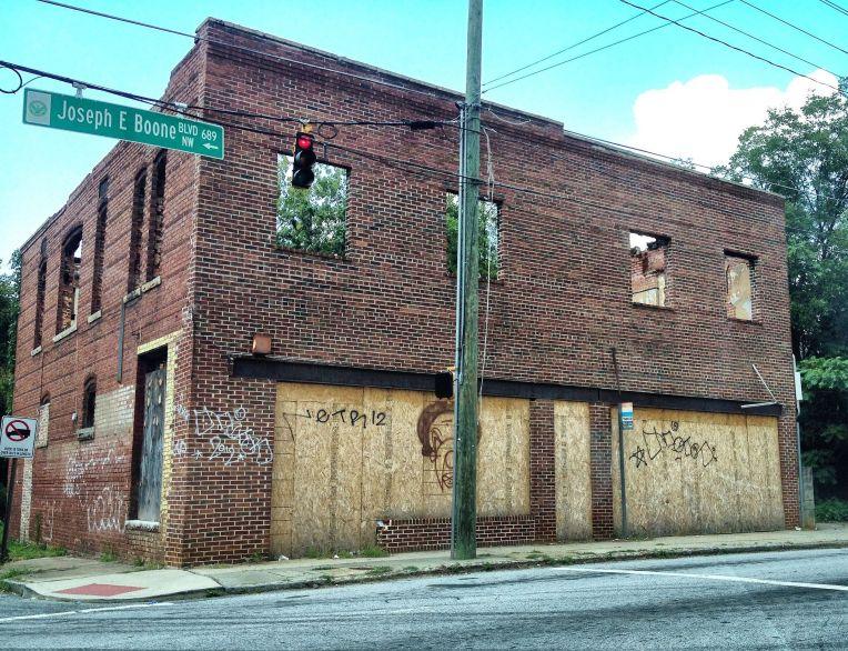 abandoned_building_joseph_e-_boone_blvd