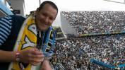 El estadio se fue llenando con mucho color celeste