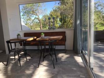 Montinho Kitchen bench