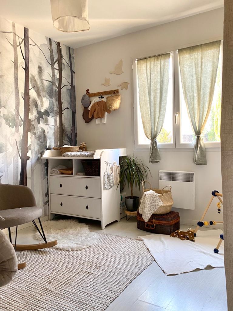 Décoration intérieur chambre bébé forêt enchantée