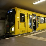 Mobile Steinzeit in der Berliner U-Bahn. (Foto: BVG, Oliver Lang)