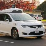 Verfügen zukünftige autonome Fahrzeuge über eine eigene SIM-Karte?(Bild: Wikipedia)