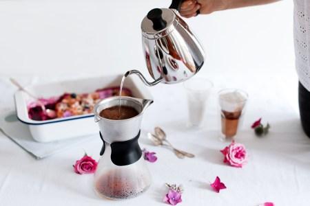 Kaffee-Set-Slow-Coffee-Maker-Lento-Leopold-Vienna-Latte-Macchiato-Glaesern-foodblog