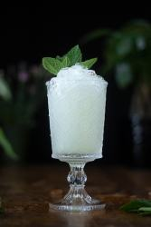 absinthe-frappe-cocktail-close-up