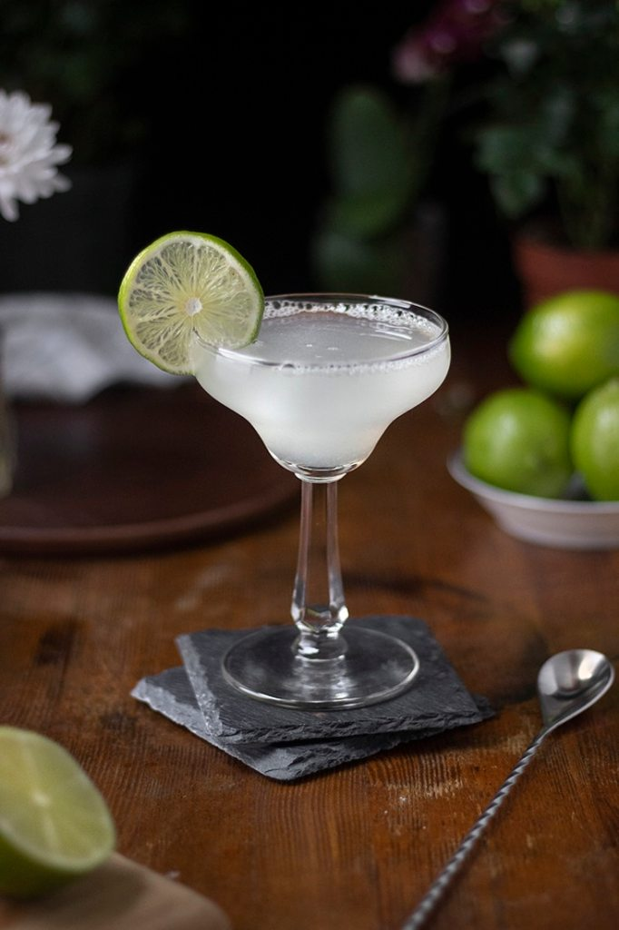 classic-margarita-cocktail-recipe-04