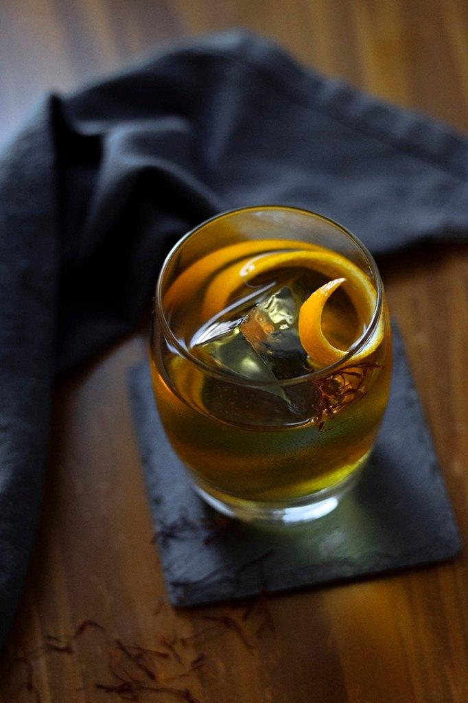 saffron-honey-rum-old-fashioned-2595148