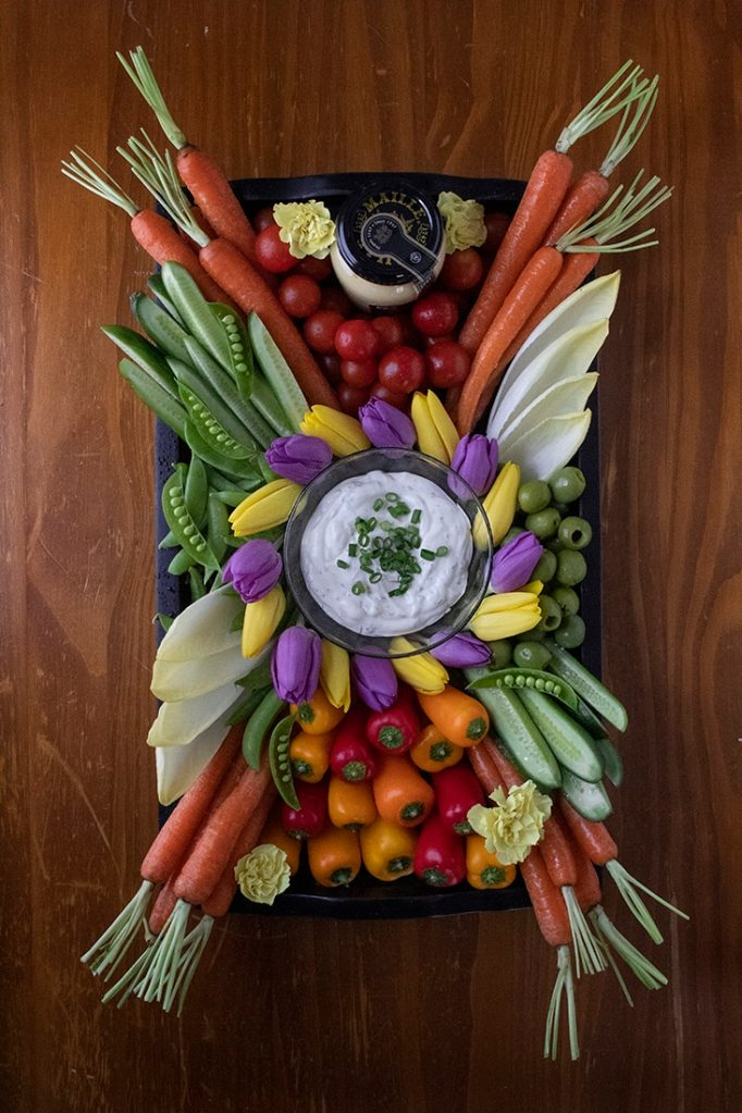 maille-mustard-and-herb-dip-crudites-platter-2517801