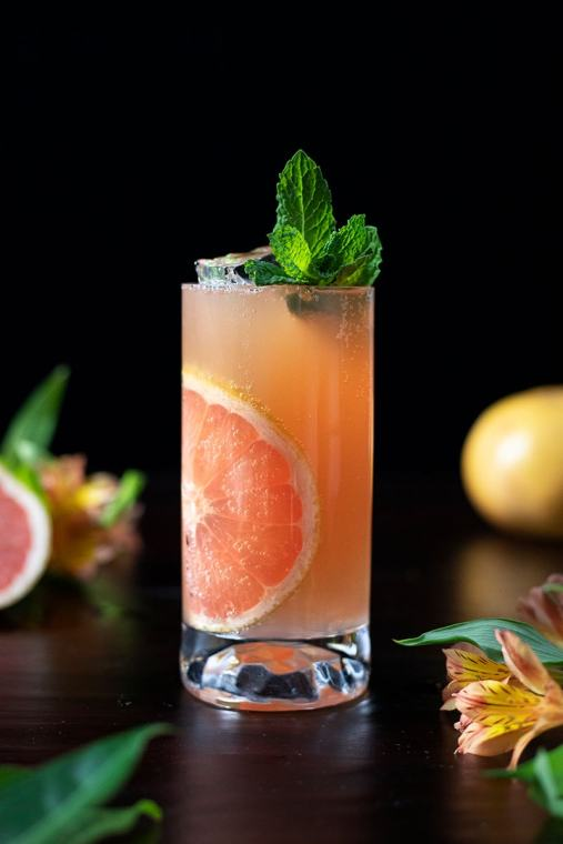 Old Fashioned Paloma – (Bourbon and Grapefruit Cocktail)