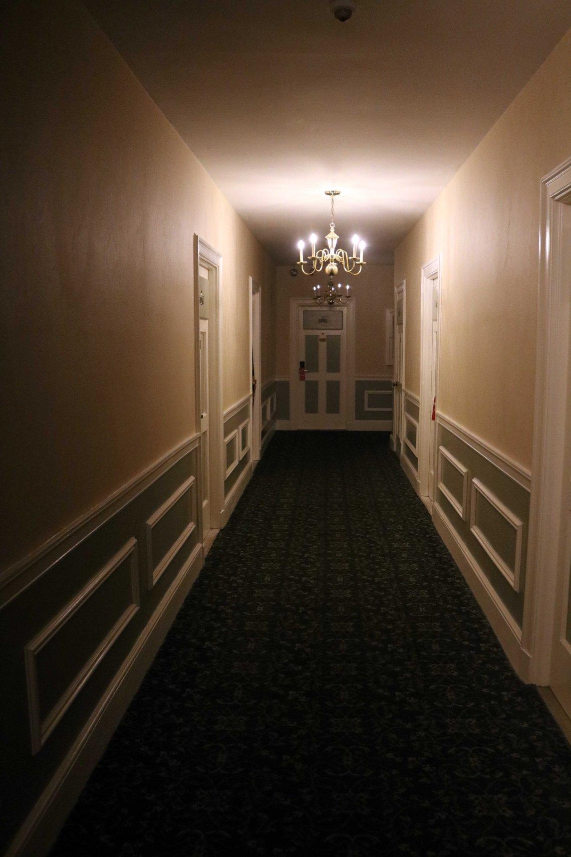 hallway hawthorne hotel