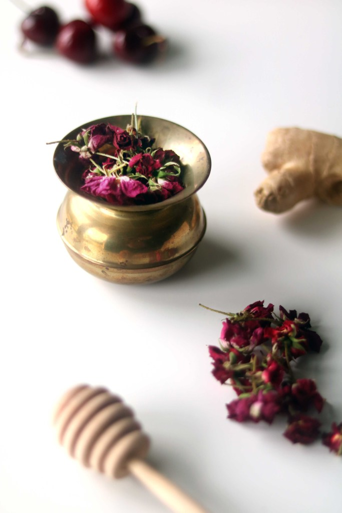 Dried tea roses and ginger.