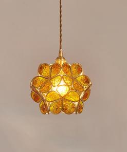 Подвесные светильники со стеклянными лепестками