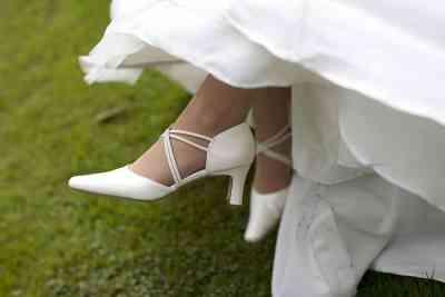 trouwschoenen bruidsfotografie trouwen