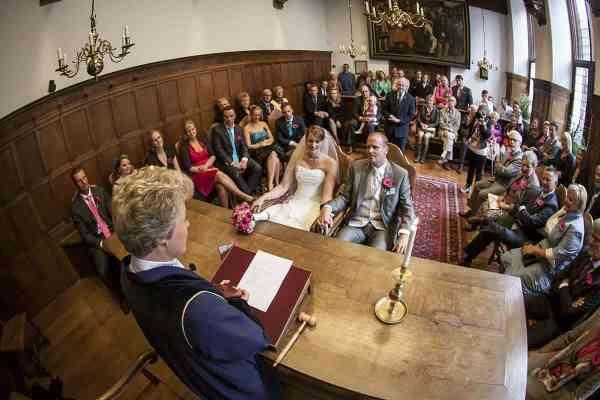 www.julliehuwelijksambtenaar.nl Harriët Bödicker-van den Bosch babs trouwmevrouw
