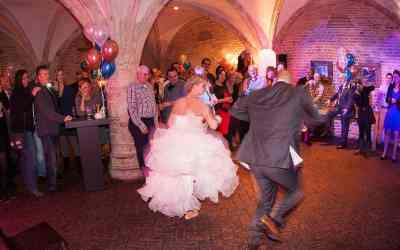 Trouwfoto's van de feestavond bruiloft