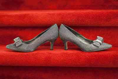 trouwfoto bruidsfoto trouwschoenen weddingshoes