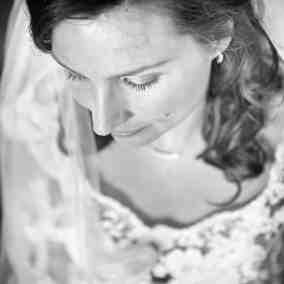 bruid bride van bovenaf ftrouwfoto bruidsfotografie creatief trouwreportage Hoofddorp Haarlem Leiden