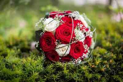 bruidsboeket rozen trouwfoto