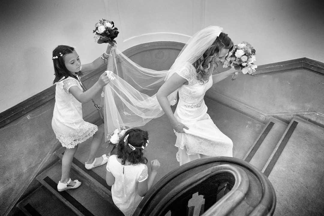 Bruid met bruidsmeisje